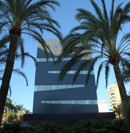 Proyecto arquitectura hotel. Vista exterior diurna